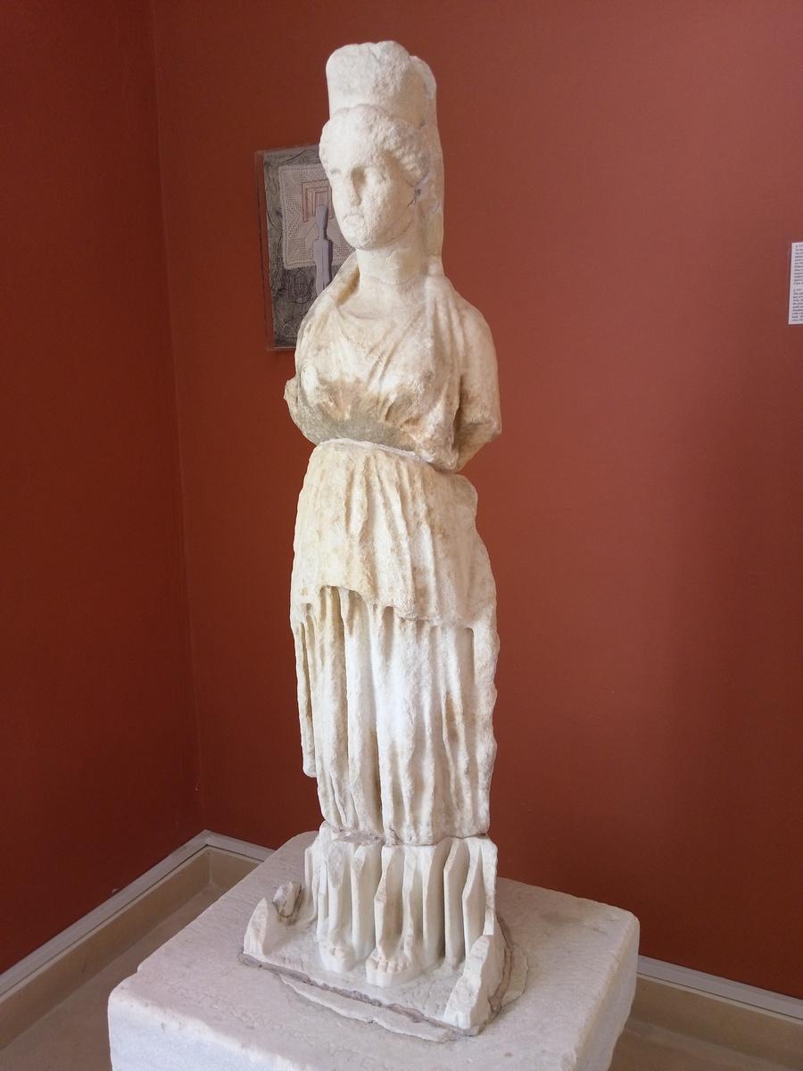 Путешествия / Греция / Парос / Археологический музей