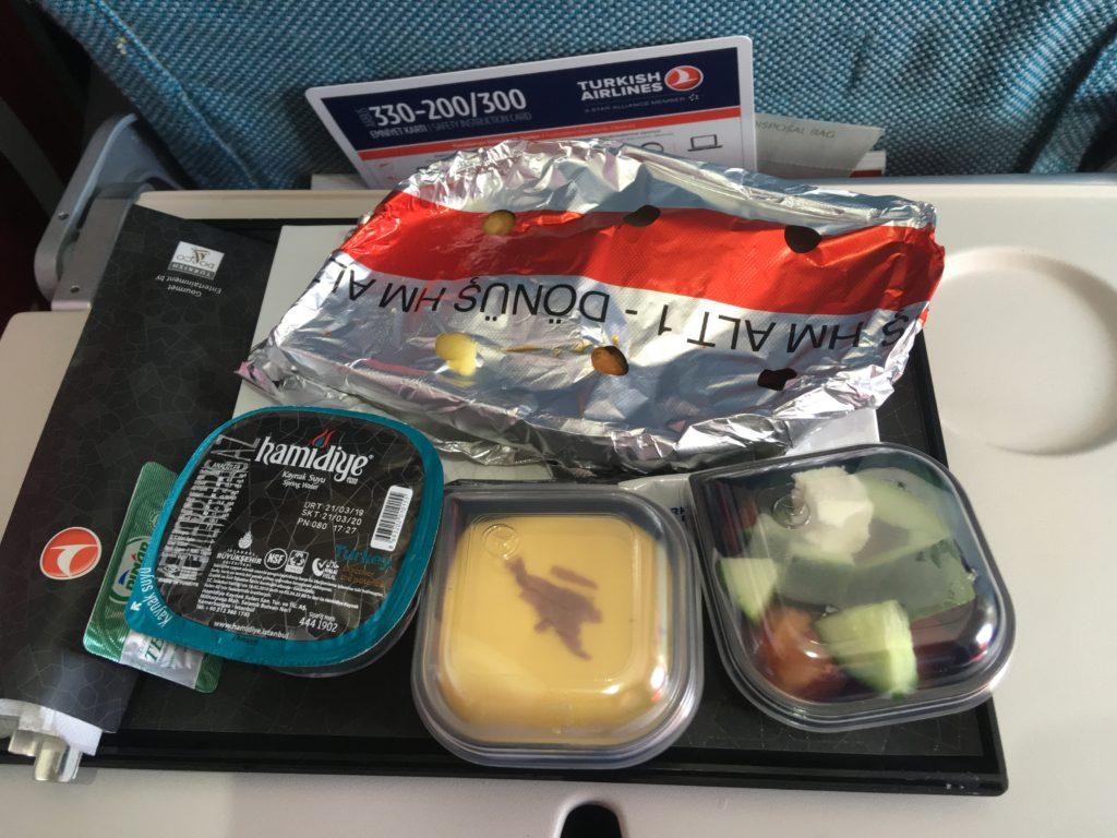 Чем кормят и как развлекают на «Турецких авиалиниях» 9