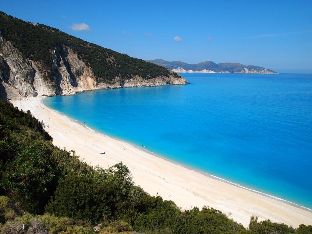 Где в Греции можно встретить знаменитость или где отдыхают звезды? 8