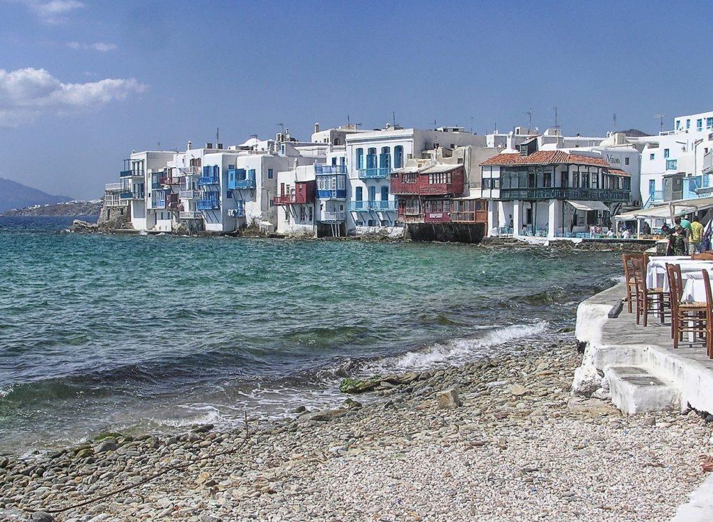 Где в Греции можно встретить знаменитость или где отдыхают звезды? 1