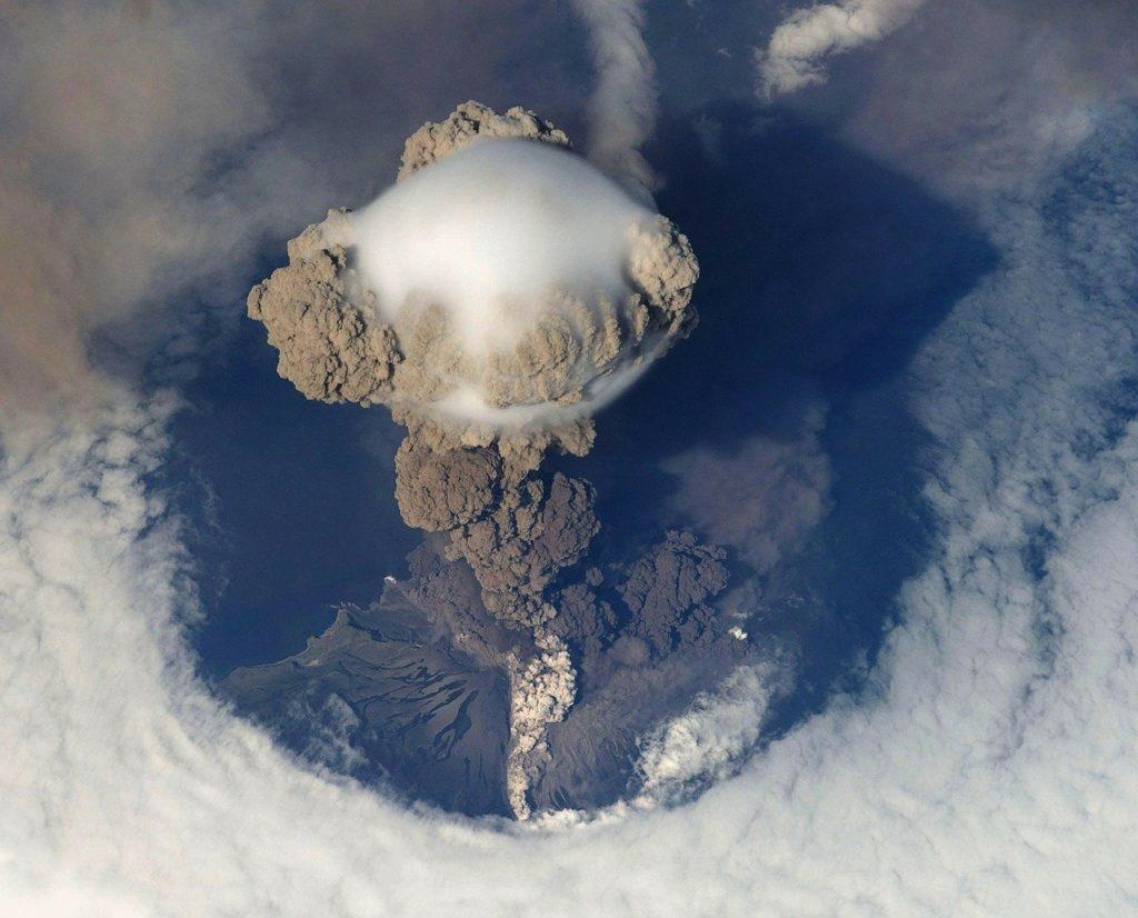 Санторини и Помпеи: две трагедии, изменившие мир.                                     Часть 1. Вулканы Земли 13