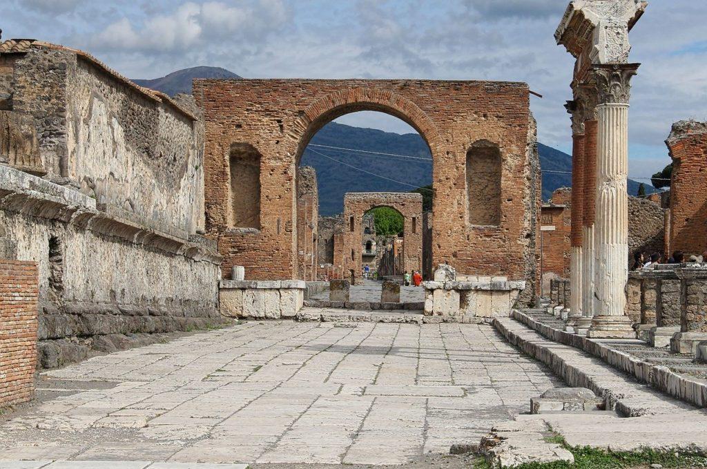 Pompeii & Santorini